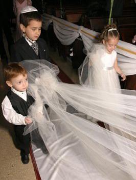 Quien invento el vestido blanco de novia